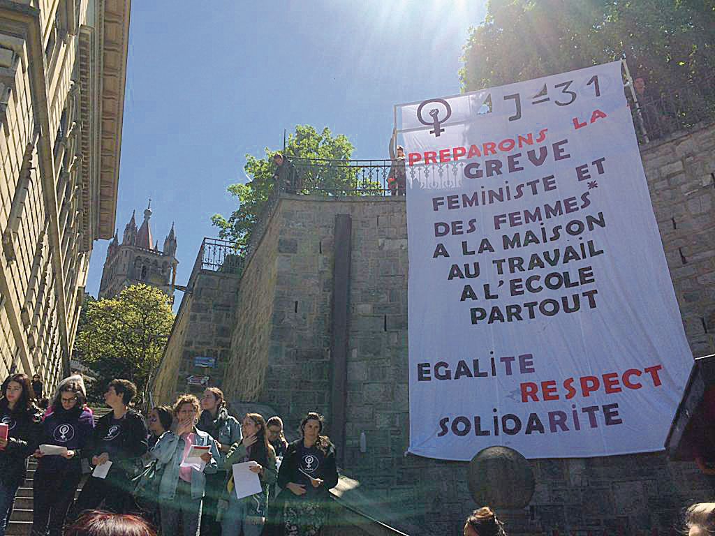 Action du collectif de la grÃve féministe à  Lausanne, mai 2019