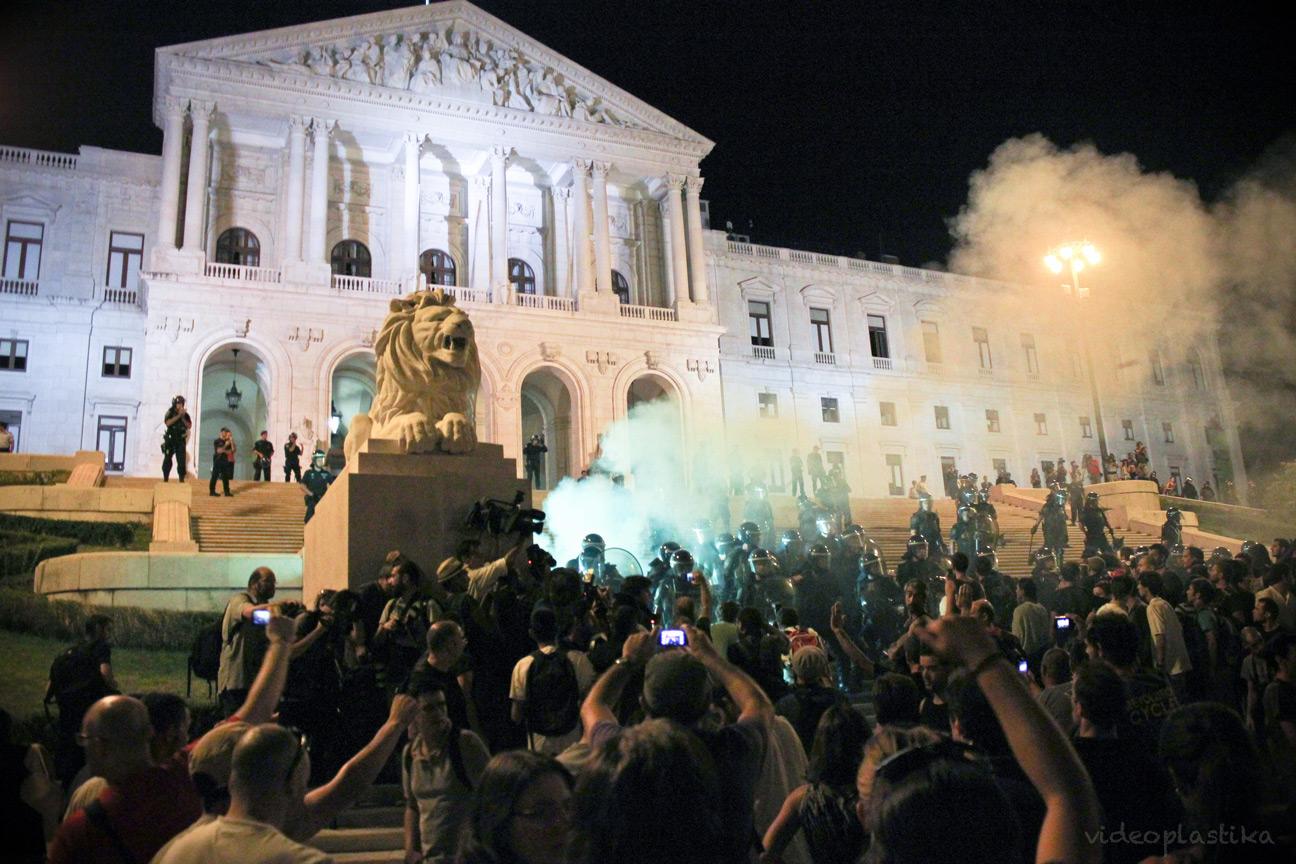 Bloco. Manifestation «Que Se Lixe a Troika», Lisbonne, 15 septembre 2012.