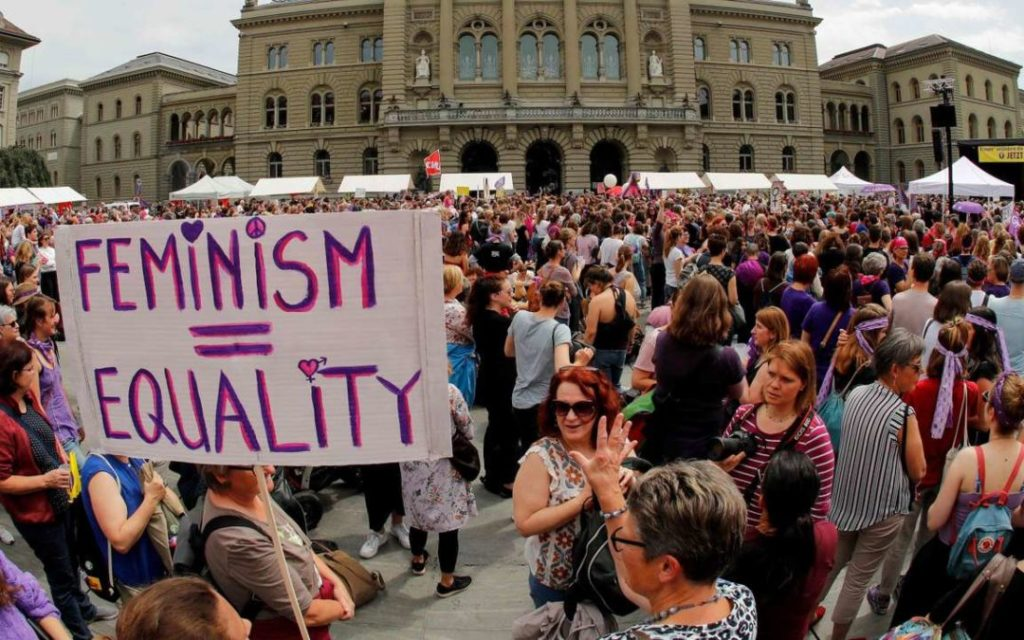 SWITZERLAND-STRIKE-SOCIAL-WAGE-DISCRIMINATION