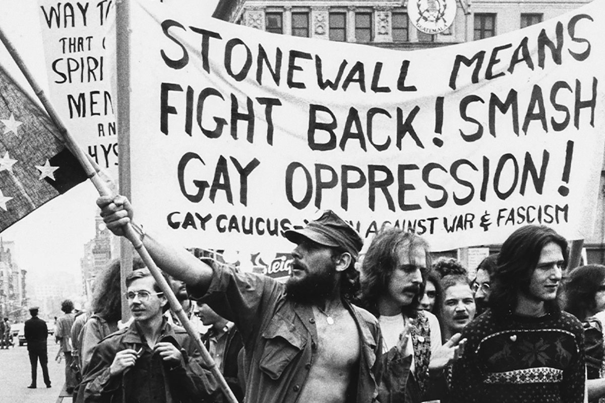 Manifestation à New York dans la foulée des émeutes de Stonewall (été 1969)