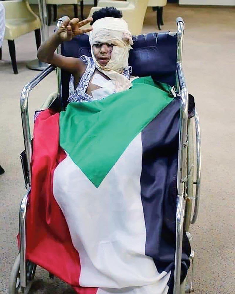 Un manifestant blessé par les milices du régime soudanais