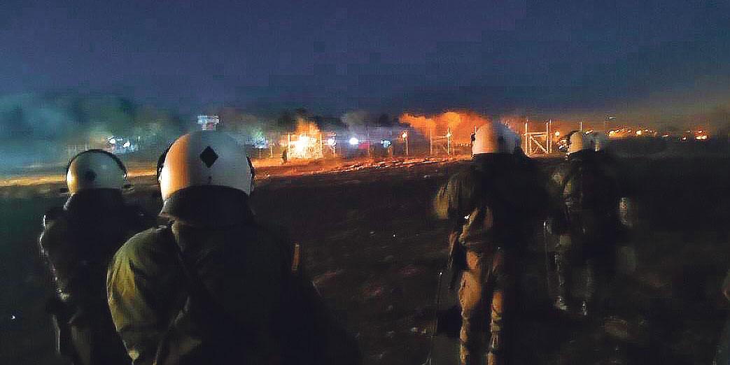 Soldats de l'agence Frontex à Evros, 21 mars 2020
