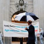 Action #CareNotDividends devant l'assemblée générale d'UBS, Zurich, 29 avril 2020