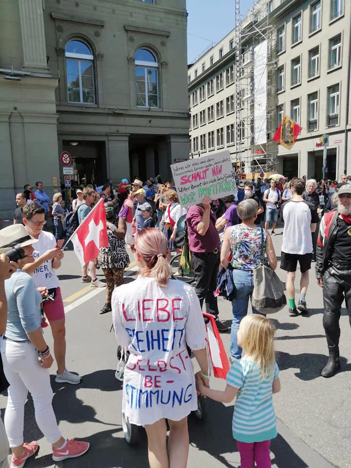 Rassemblement à Berne contre les mesures sanitaires, 9 mai 2020