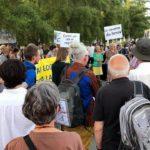Rassemblement à la Caserne des Vernets contre le projet immobilier