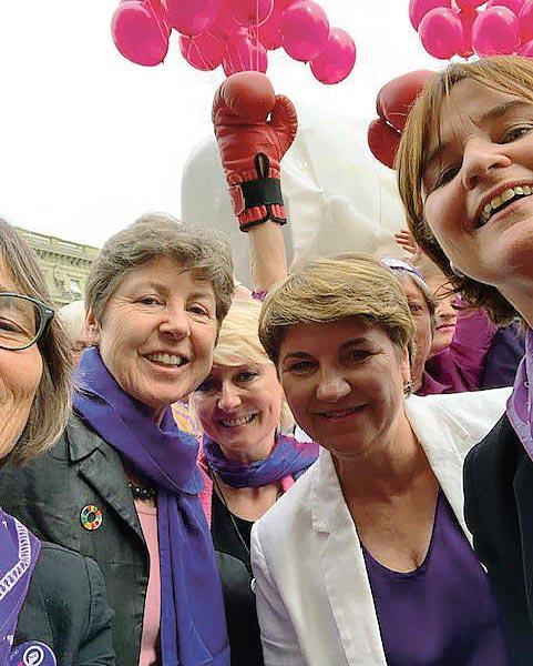 Viola Amherd et Isabelle Moret, selfie, 14 juin 2020, Kathy Rifkin