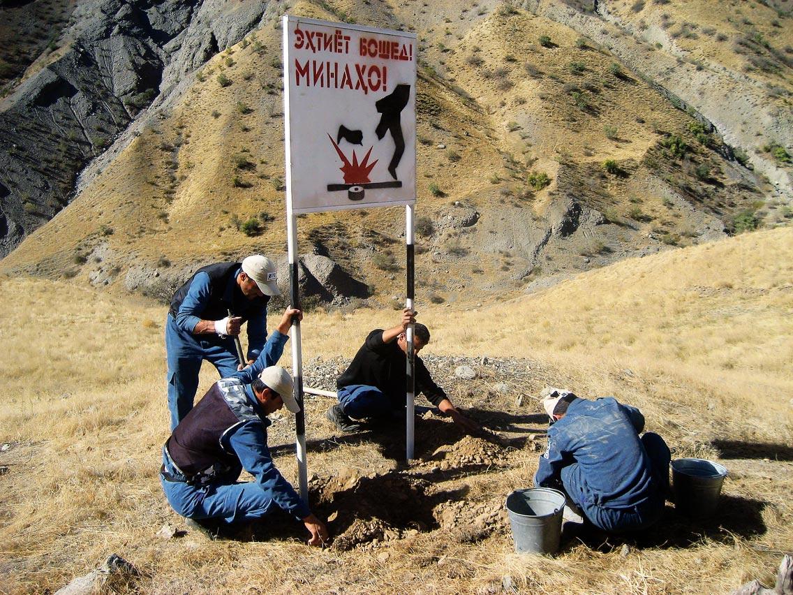 Deminage-au-Tadjikistan_UNHDP