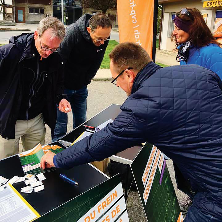 Récolte de signatures pour l'initiative «Pour des primes plus basses»