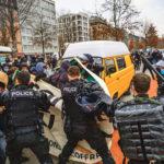 Repression manifestation sortie de crise_eric roset