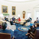 Joe Biden discute avec les représentants démocrates du plan de relance